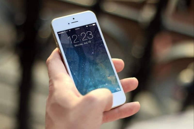 clean-phone