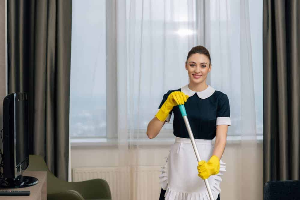 maid-home-cleaning-lafayette