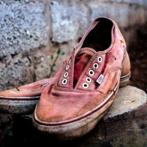 dirty-pink-canvas-toms-shoes