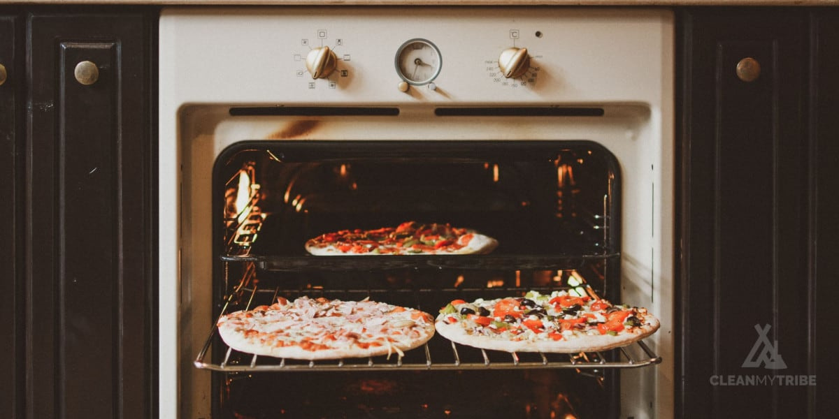 diy-clean-your-oven-at-home